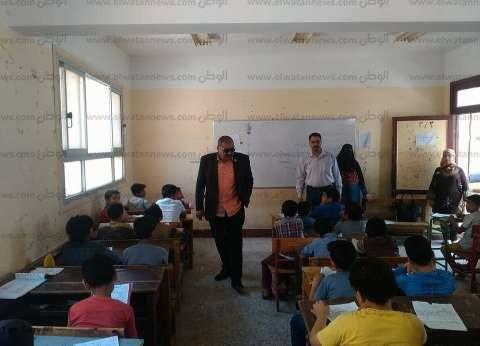 محافظ الشرقية يتابع امتحانات النقل بمراحل التعليم المختلفة