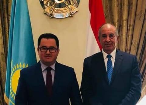 محافظ البحر الأحمر يلتقي سفير كازاخستان لبحث زيادة أعداد السائحين