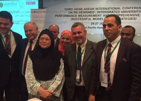 رئيس جامعة دمنهور يشارك في مؤتمر إعادة صياغة التعليم العالي بماليزيا
