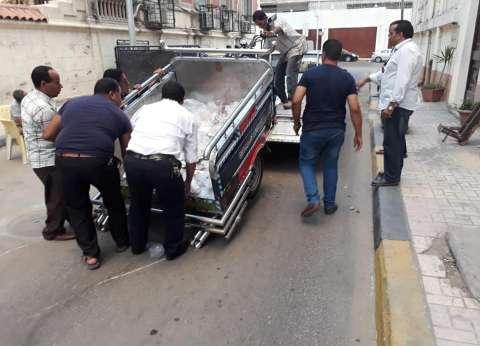 حي وسط بالإسكندرية يشن حملة لرفع مخالفات الطريق العام