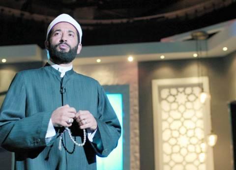 """عمرو سعد يصل إلى الإسكندرية لاستلام جائزة أفضل ممثل عن فيلم """"مولانا"""""""