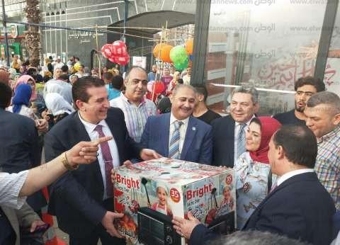 """""""مستقبل وطن"""" بالبحيرة يوزع 20 هدية للمصلين وألعاب للأطفال في العيد"""