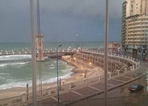محافظ الإسكندرية: تكاتف الجهود تصدى لتداعيات الأمطار الغزيرة