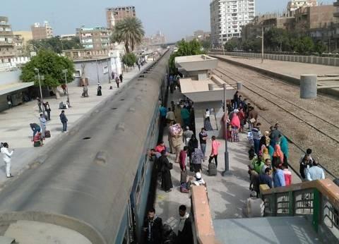 عاجل| توقف حركة قطارات السكة الحديد إثر تعطل جرار في سوهاج