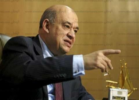 وزير السياحة يطالب السفير الفرنسي بتيسير خط مباشر من باريس إلى شرم الشيخ