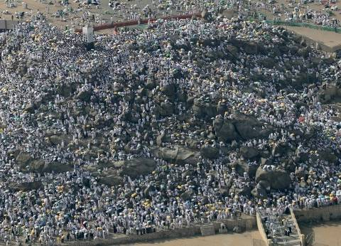 """""""بعثة الحج"""": اكتمال وصول الحجاج لمخيماتهم في عرفات"""