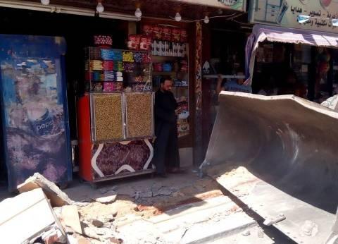 إزالة إشغالات حركة المشاة في حي وسط الإسكندرية