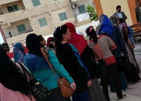 السيدات يتوافدن بقوة على لجان الانتخابات الرئاسية في الغردقة