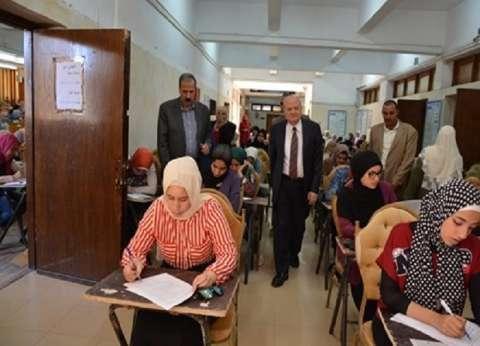 رئيس جامعة الزقازيق يتفقد لجان الامتحانات بـ 3 كليات