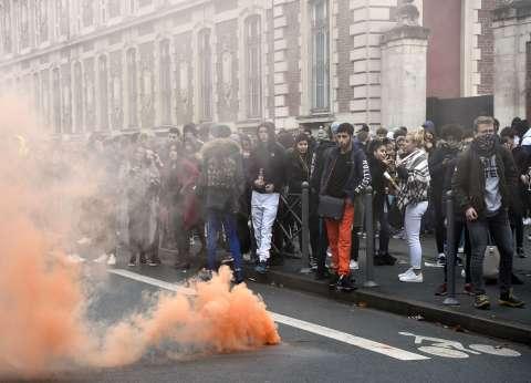 """عاجل  شلل في وسائل النقل بباريس تزامنا مع تظاهرات """"السترات الصفراء"""""""
