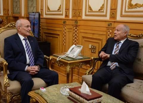 """""""العصار"""" و""""أبوالغيط"""" يبحثان سبل تعزيز التعاون الصناعي مع الدول العربية"""