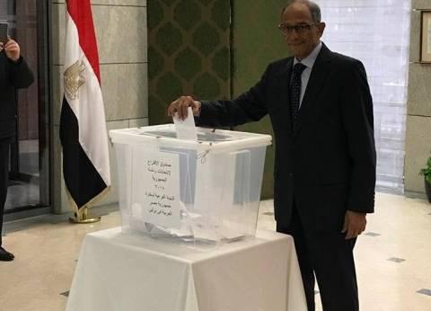 هاني عازر: تحملت مسافة 450 كيلو متر من أجل المشاركة في الاستفتاء