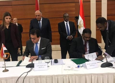 وزير التعليم العالي لنظيره السوداني: مصر حريصة على دعم الأشقاء العرب