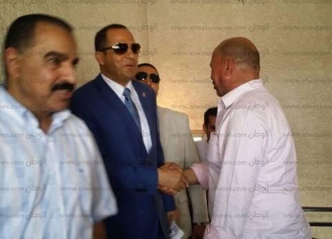 رئيس جامعة دمنهور يدلي بصوته بانتخابات التجديد النصفي للبيطريين