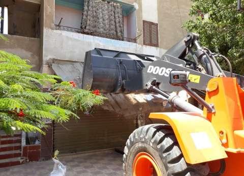 تحرير 30 محضر إشغال وإزالة بمدينة أسيوط خلال يوم
