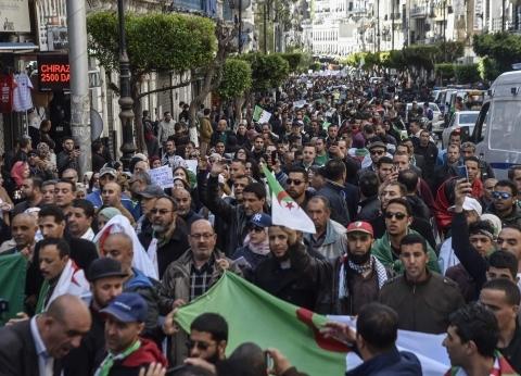 """من الجزائر لـ السودان.. """"مظاهرات الجمعة"""" تتصدر عناوين أخبار الدولتين"""