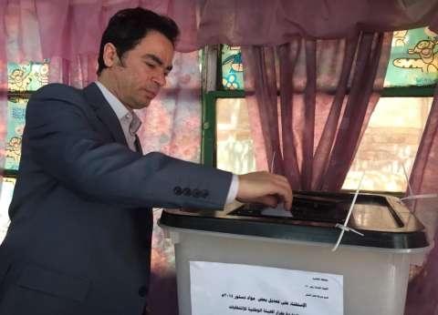 """المسلماني يدلي بصوته في """"استفتاء الدستور"""" بالزمالك"""