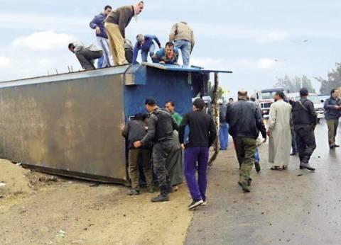انقلاب سيارة ترحيلات على متنها مساجين في الإسكندرية