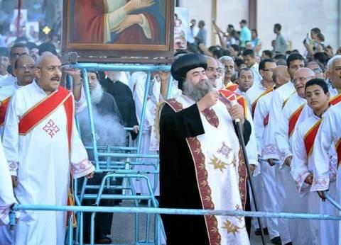 """أقباط أسيوط يحتفلون بمولد""""العذراء"""" في درنكة وسط تشديدات أمنية"""