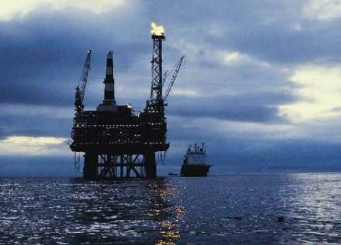 """مسؤول بـ""""البترول"""": نهدف لجذب 10 مليارات دولار خلال العام المالي الجاري"""
