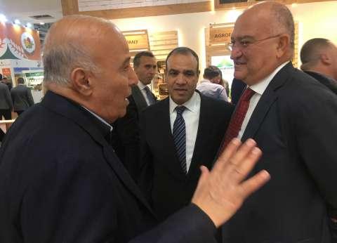صور| السفير بدر عبدالعاطي يفتتح «فروت لوجيستيكا» بمشاركة 73 شركة مصرية