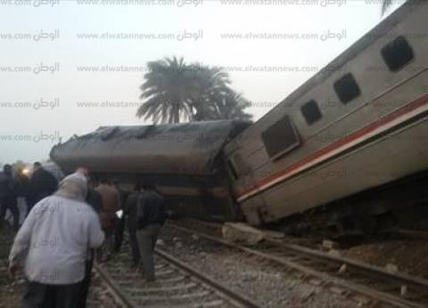 عاجل| وصول وزير النقل ومدير أمن بني سويف لموقع حادث القطار