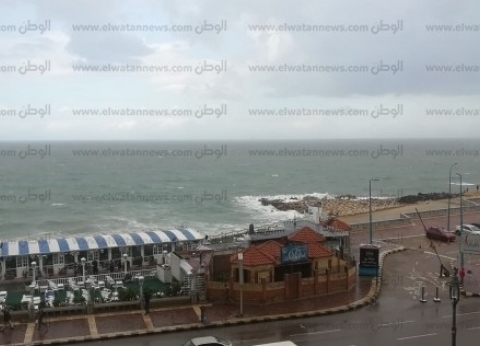 «سيارات شفط وتوقف حركة الصيد».. المحافظات تواجه سقوط الأمطار