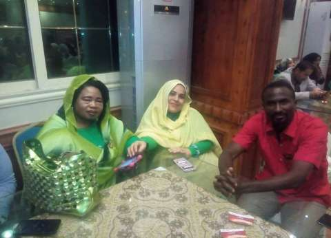 """""""مصر والسودان إيد واحدة"""".. مبادرة مصرية لدعم """"السودانية"""": توظيف وعلاج"""