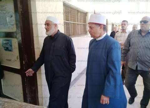 """رئيس """"إسكندرية الأزهرية"""" يتفقد امتحانات اليوم الأخير للنقل الثانوي"""