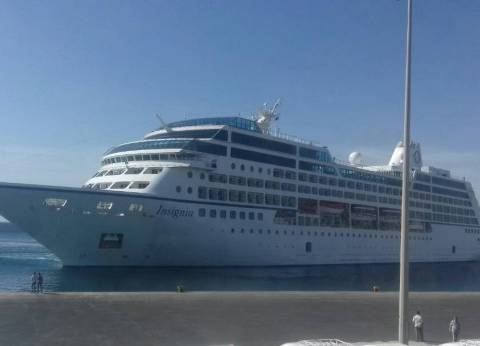 موانئ بورسعيد تستقبل 29 سفينة