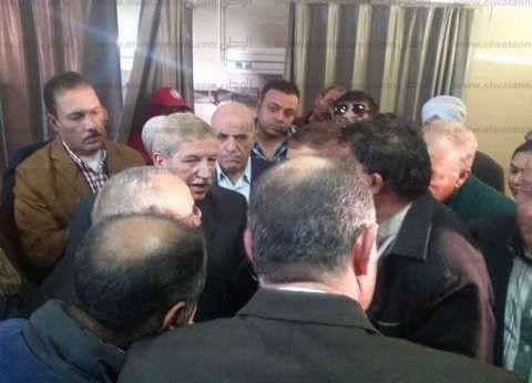 بالصور| محافظ شمال سيناء يزور المصابين في مستشفيات الإسماعيلية