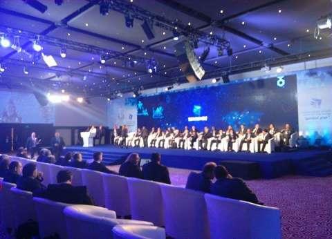 """محافظ البحر الأحمر يرحب بعلماء مصر في الخارج في مؤتمر """"مصر تستطيع"""""""