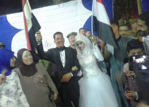 برقية تهنئة من محافظ سوهاج لعروسين أدليا بصوتيهما: أتمنى لكما السعادة