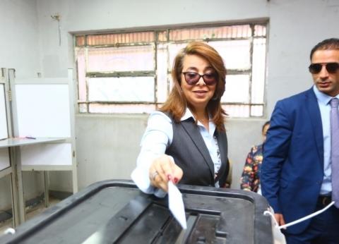 بالصور| غادة والي تدلي بصوتها في الاستفتاء على التعديلات الدستورية