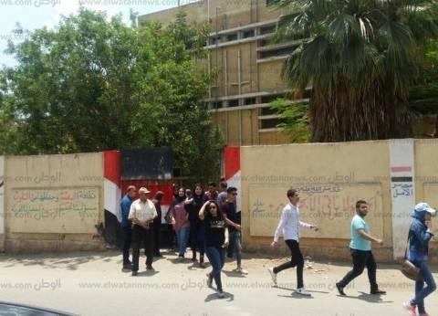 إحباط محاولة طالب الهرب بورقة إجابة اللغة العربية في القليوبية
