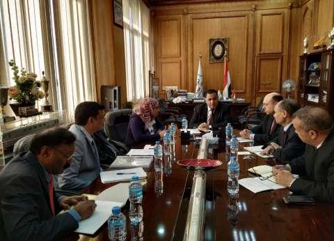 رسلان يتابع الموقف التنفيذي لتطوير المزلقانات والمحطات والقطارات
