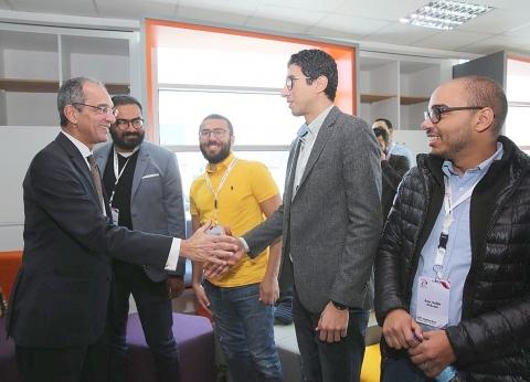 صور| وزير الاتصالات يلتقي أفضل 30 شركة ناشئة من رواد الأعمال المتميزين