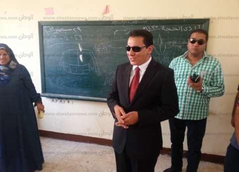 بالصور| محافظ الشرقية يشكل لجنة لبحث أسباب تأخر صيانة بعض المدارس