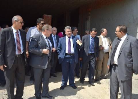 رئيس جامعة بنها: إقامة مقر مؤقت لكلية الصيدلة لمدة عامين