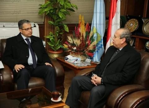 """محافظ كفر الشيخ يبحث مع رئيس فرع """"الرقابة الإدارية"""" سبل مواجهة الفساد"""