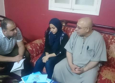 """الإهمال يصيب الطالبة """"إيناس"""" بالشلل.. ووالدها: فقدت الثقة في أطباء مصر"""