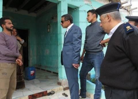 مدير أمن الإسماعيلية يطرق أبواب منازل الأهالي بقرية جلبانة في القنطرة
