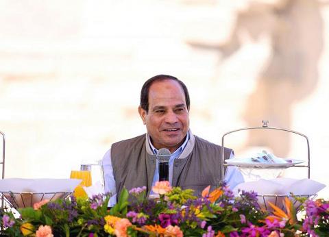 الرئيس السيسي يحاور الشباب في معبد فيله بأسوان
