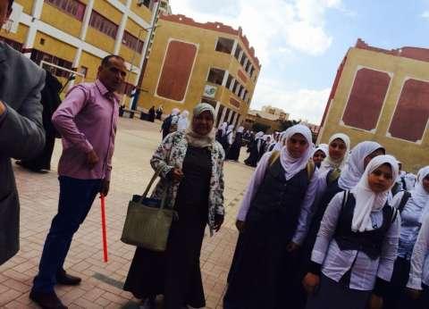 رئيس الإدارة المركزية للتخطيط والجودة تتفقد 4 مدارس بكفر الشيخ