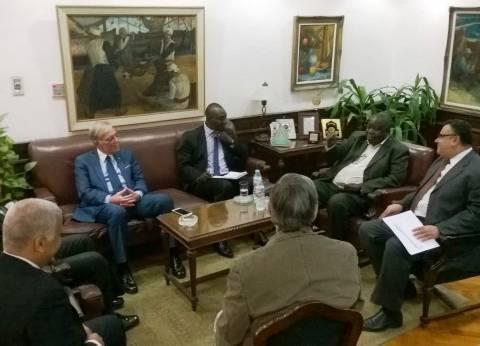 رئيس جامعة الإسكندرية يستقبل رئيس المجلس الأعلى للجامعات بأوغندا
