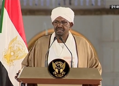 """""""العربية"""": تظاهرات حاشدة أمام مقر قيادة القوات المسلحة في الخرطوم"""