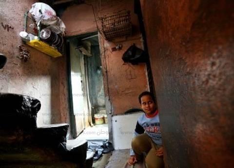 القللى: منازل ذات أسقف خشبية ومياه الأمطار تغرق الأرضية والجدران