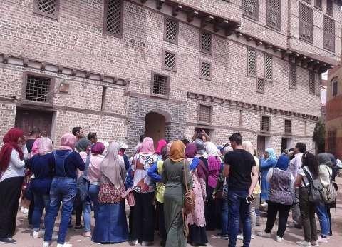 صور| وفد من طلاب جامعة القاهرة يزور مدينة فوه الآثرية في كفر الشيخ