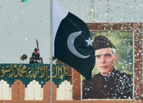 """باكستان تحيي الذكرى السبعين للاستقلال بـ""""ألعاب نارية"""" و""""استعراض جوي"""""""