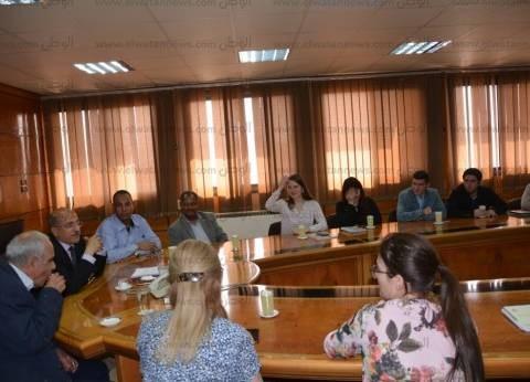 نائب رئيس جامعة أسيوط يلتقي بطلاب روس من جامعتي داغستان وبيتاجورسيك